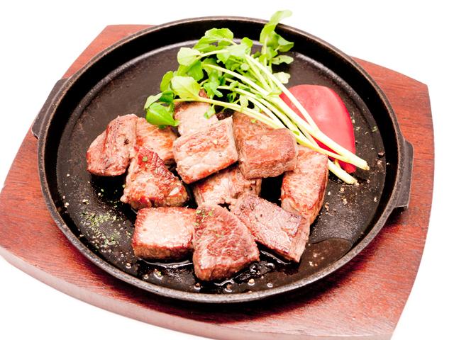 オーシャンビーフ牛モモ噛む噛むサイコロステーキ用 180g真空パック